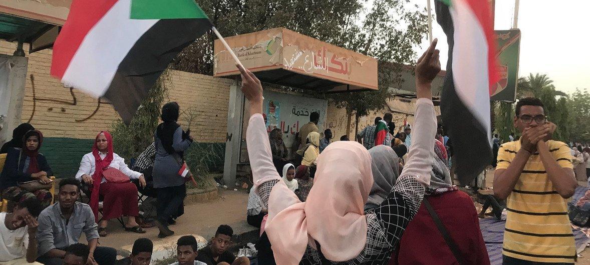 Manifestantes en las calles de Jartúm, capital de Sudán.
