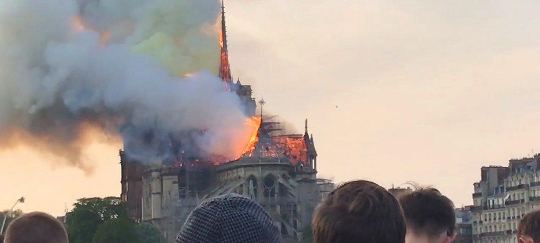 La catedral de Notredame en París, se encontraba bajo renovación cuando comenzó el incendio el 15 de abril de 2019.
