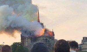 La cathédrale Notre-Dame de Paris frappée par un incendie le 15 avril 2019.