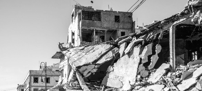 पूर्व तानाशाह मुआम्मर गद्दाफ़ी के पतन के आठ साल बाद भी लीबिया में शांति कायम नहीं हुई है (फ़ाइल).