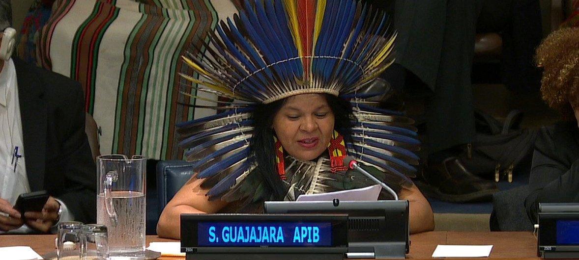 A líder indígena brasileira Sônia Guajajara discursou em evento sobre a proteção das florestas tropicais do mundo