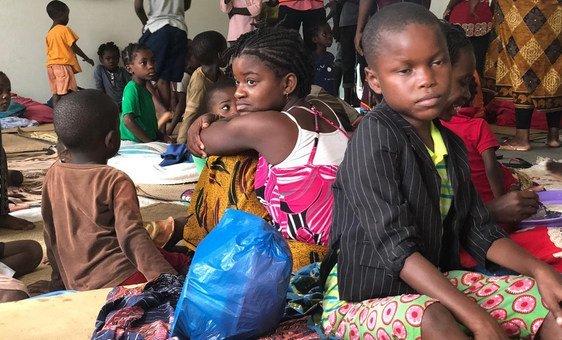 Populações alojadas na escola vindas da zona de Paqueté, a parte baixa da cidade de Pemba