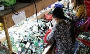 Sólo el 20% de los desperdicios electrónicos de reciclan formalmente, aunque están valorados en miles de millones de dólares.