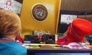 O chefe da Nação Onondaga,Tadodaho Sid Hill, abriu o encontro na Assembleia Geral