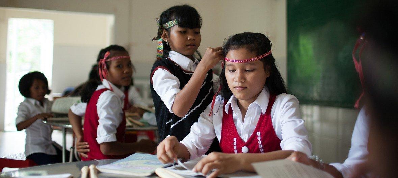 越南平順省一个日托中心的学生。 这个日托中心为残疾儿童以及该地区的少数民族儿童提供服务。全民健康覆盖对于这些儿童的福祉至关重要。
