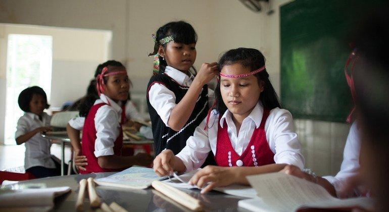 UN celebrates books as 'bridges across cultures'