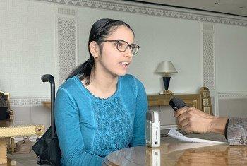 """نوجين مصطفى، الكاتبة السورية من أصل كردي، مؤلفة كتاب """"فتاة من حلب""""، تتحدث مع أخبار الأمم المتحدة عن أوضاع ذوي الإعاقة في ظل الصراع السوري."""