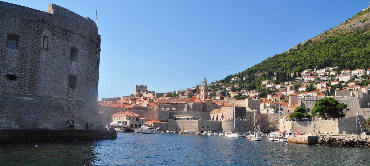 UNESCO/Silvan Rehfeld St. John's Fort, Old City of Dubrovnik (Croatia).
