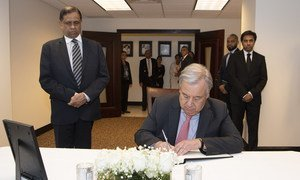UN Secretary-General António Guterres signs the book of condolence at the Permanent Mission of Sri Lanka in New York following terrorist attacks in April 2019 on churches in the south Asian country.