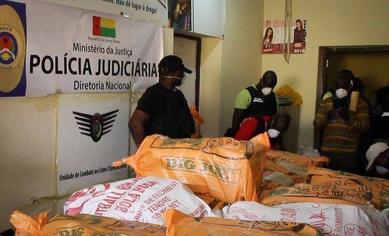 Drogas apreendidas na Guiné-Bissau na sede da Polícia Judiciária