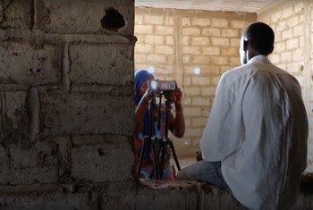 Durante o projeto foram feitas mais de mil entrevistas de vídeo produzidas por migrantes filmando outros migrantes.