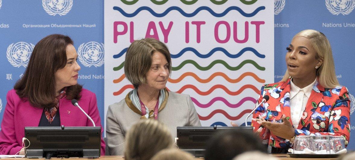 """联大主席埃斯皮诺萨4月30日在联合国纽约总部举行新闻发布会,宣布将于6月1日举行一场题为""""大声唱出来""""(Play it Out)反对一次性塑料主题的音乐会。"""