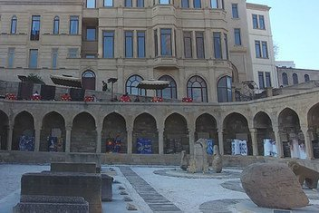 Una casa de baños del siglo XV en el barrio Icheri Sheher en la capital azerbaiyana de Baku.
