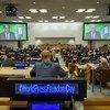 Le Secrétaire général de l'ONU, António Guterres (à l'écran), livre un message vidéo lors de la Journée mondiale de la liberté de la presse