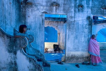 During Sri Lanka's civil conflict, displaced Muslims take shelter in the ruins of Rasool Puthuveli Mosque in Mannar District, Northern Province. (File from 2007)