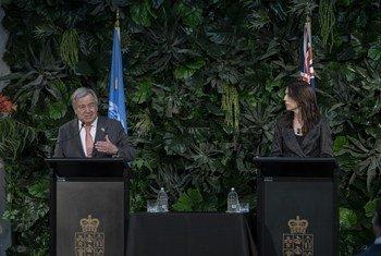 Guterres elogiou a Nova Zelândia pela legislação que pretende alcançar um aquecimento climático de 1,5º C.
