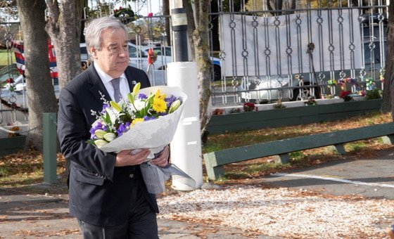 The UN Secretary-General, António Guterres, lays a wreath in Christchurch memory of the victims of a mass shooting in the New Zealand city in March 2019. (May 2019)