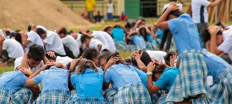 Estudiantes reciben formación sobre cómo reaccionar en case de desastre natural