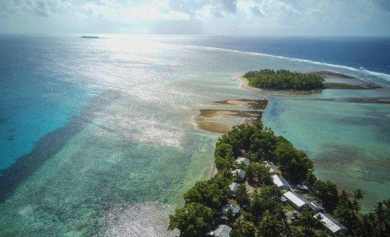 Le pays insulaire de faible altitude, Tuvalu, dans l'océan Pacifique, est particulièrement sensible à l'élévation du niveau de la mer due au changement climatique.