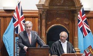 El Secretario General, António Guterres, se dirige al parlamento de Fiji.