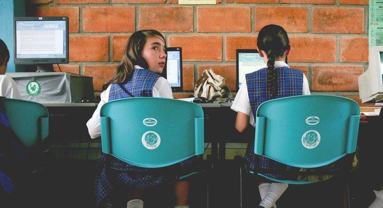 В ООН призывают  привлекать девочек и женщин к изучению точных наук.