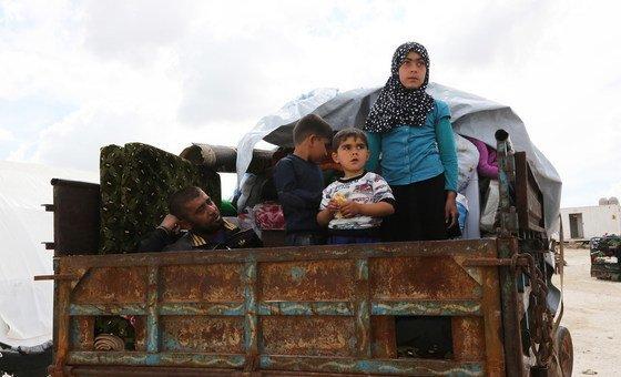 Pelo menos 180 mil pessoas foram forçadas a deixar suas casas
