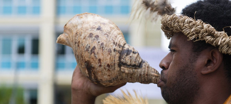瓦努阿图传统的卡瓦迎宾仪式。(2019年5月18日)