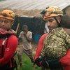 热带气旋肯尼斯:巴西消防队员在莫桑比克灾区进行搜索和救援行动。
