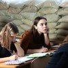 В ЮНИСЕФ обеспокоены тем, что на востоке Украины участились обстрелы школ.
