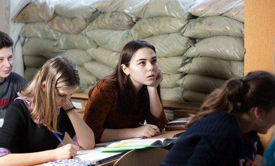 В ЮНИСЕФ обеспокоены тем, что на востоке Украины участились обстрелы школ