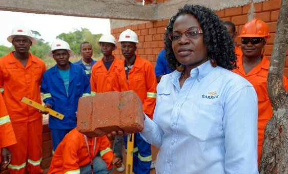 Winnie Kakunta is in charge of SME development at the Community Relations department for Barrick Lumwana Mining. The company has partnered with the Zambia Green Jobs Programme led by the ILO, to build housing with local and green materials for its employees. (14 November 2015)