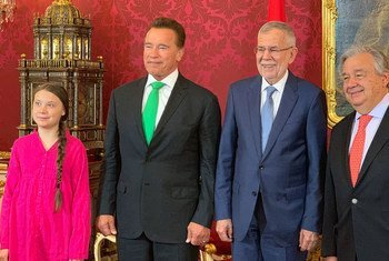 Climate activist, Greta Thunberg (l), former Governor of California, Arnold Schwarzenegger, Austrian President Alexander Van der Bellen and the UN Secretary-General António Guterres (r) meet at the R20 Austria World Summit in Vienna. (28 May 2019)