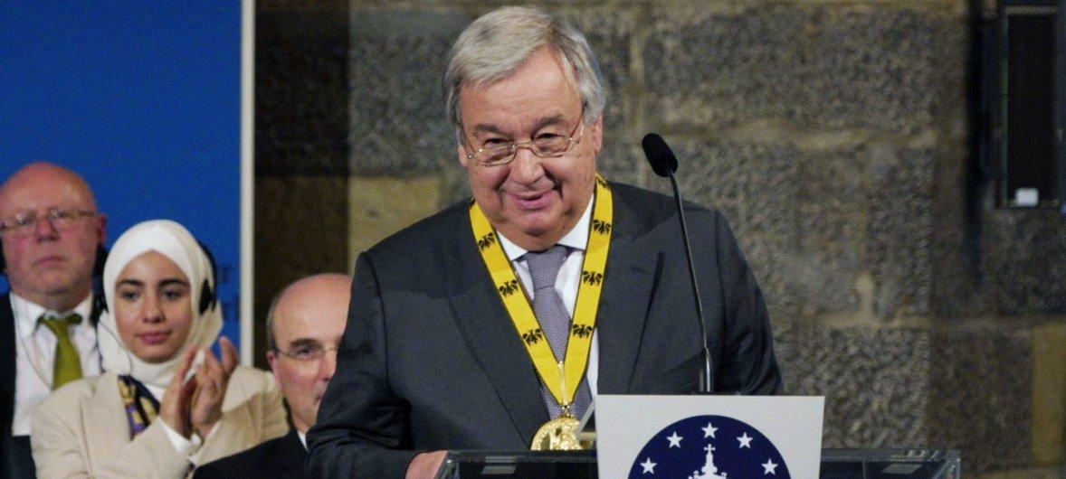 Генеральный секретарь ООН Антониу Гутерриш, получая в Германии премию им. Карла Великого, призвал сохранить единство Европы.