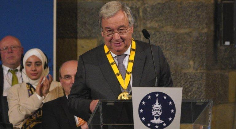 El Secretario General, António Guterres, recibe el Premio Carlomagno en la ciudad alemana de Aquisgrán