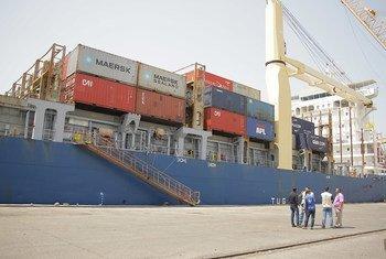 也门荷台达港口。