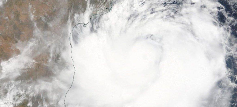 """2019年5月1日,美国国家航空航天局卫星在靠近印度东海岸的北印度洋拍摄的热带气旋""""法尼""""图片。"""