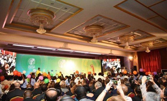 Sala na Beira, Moçambique, onde aconteceu a Conferência Internacional de Doadores