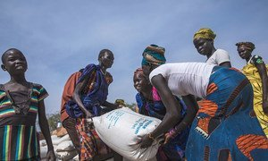 Food distribution in Pieri, South Sudan, where WFP is assisting 29,000 people, of whom 6,600 are children under-five. (5 February 2019)