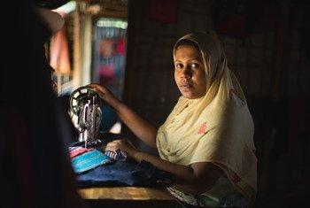 Narun Nahar dans le camp de Kutupalong, au Bangladesh. Elle a fui le Myanmar avec sa famille mais son mari et son père ont été tués en cours de route.