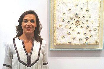 Французская художница Аурели Лету представила в москве свою выставку «Перерождение»