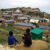 تجمع لإيواء اللاجئين الروهينجا في كوتوبالونغ، كوكس بازار، بنغلاديش، يتضمن منشآت مياه وصرف صحي وتصريف للمياه العادمة وإنارة بالطاقة الشمسية لتوفير الأمن ليلا.