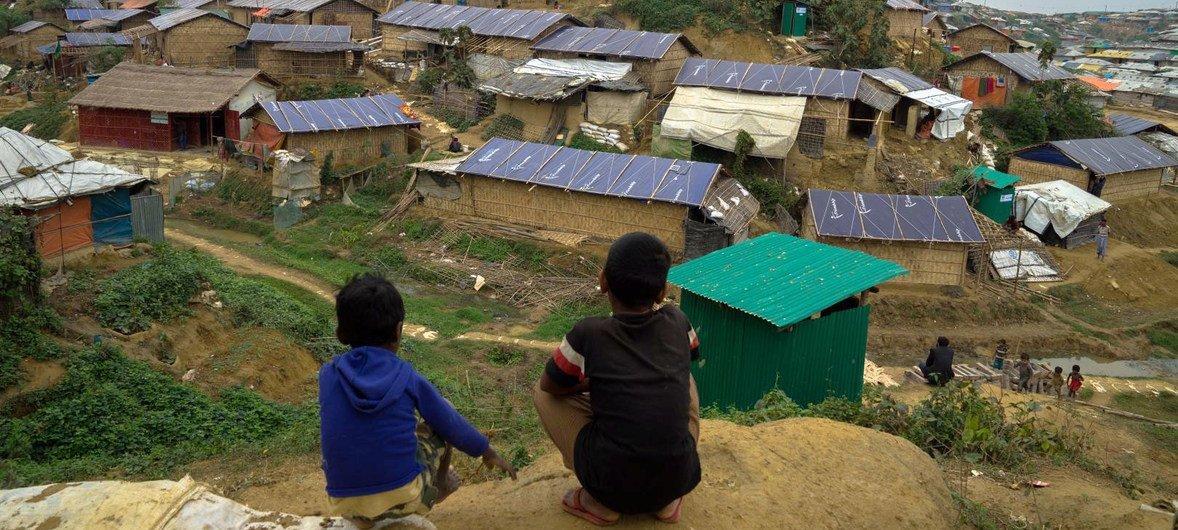 Mais de 900 mil pessoas da minoria étnica rohingya vivem no Bangladesh.