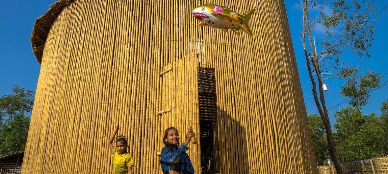 Kituo cha elimu kwa ajili ya watoto wakimbizi wa Rohingya kilichojengwa kwa Mianzi nchini Bangladesh
