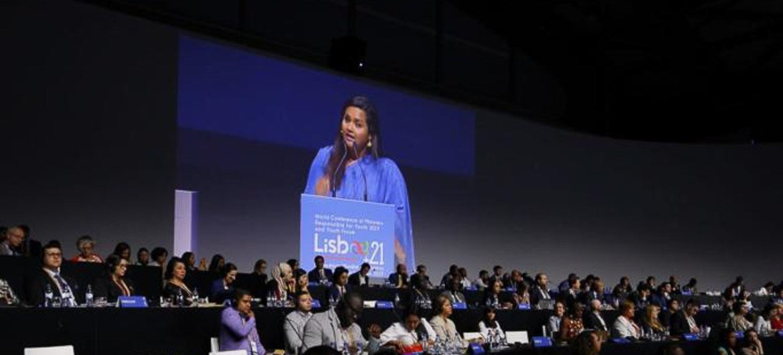 Photo : Jayathma Wickramanayake, Envoyée du Secrétaire général chargée de la jeunesse au Forum de la jeunesse Lisbonne+21.