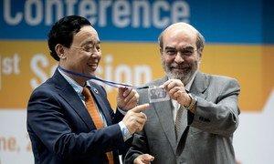 Qu Dongyu, da China, sucedeu o brasileiro Graziano da Silva no comando da FAO.