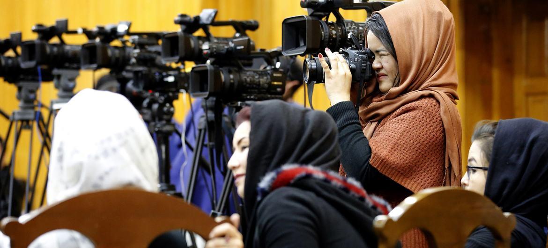 Jornalistas em Cabul em evento sobre liberdade de expressão ocorrido em 2019