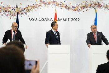 संयुक्त राष्ट्र महासचिव एंतोनियो गुटेरेश जी20 के ओसाका सम्मेलन में त्रिपक्षीय जलवायु परिवर्तन मीटिंग में शिरकत करते हुए (29 जून 2019)