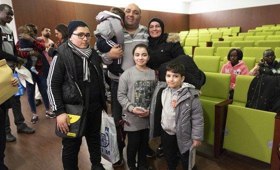 Refugiados reassentados chegam a Lisboa, em Portugal.