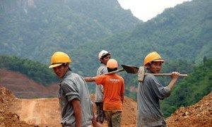 Trabajadores de la construcción en Vietnam