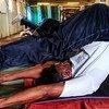 Un membre de la Mission de l'ONU au Soudan du Sud pratiquant le yoga